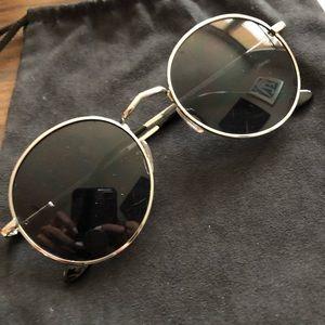 Round Sunglasses Black/Silver